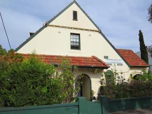 2 PROPERTIES LEFT - PARTLY FURNISHED LIGHT FILLED STUDIO - Kingsford