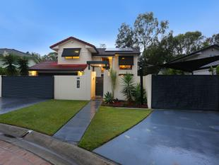 IMMACULATE HOME  OVERLOOKS PARKLAND  METRES TO THE MAIN RIVER - Ashmore