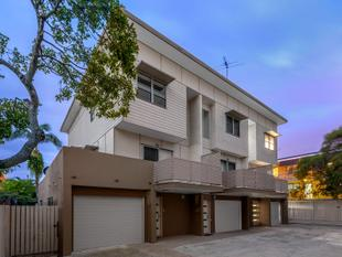 Contemporary Townhouse Living - Hamilton