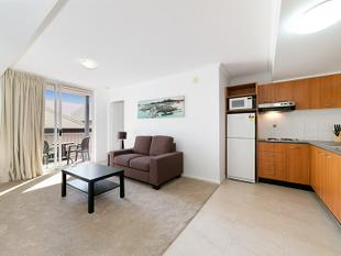 MODERN & REFURBISHED 1 BEDROOM UNIT WITH CAR PARK WITHIN MINUTES  TO THE CITY! - South Brisbane