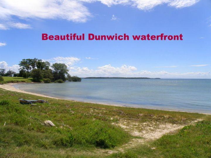 107 Rainbow Crescent, Dunwich, QLD