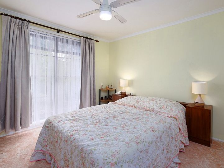 2 Costa Close, Green Point, NSW