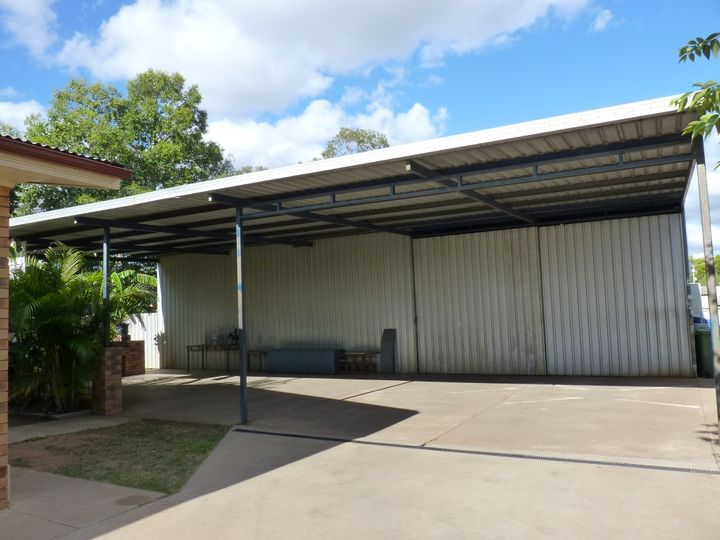 8 Hill Street, St George, QLD