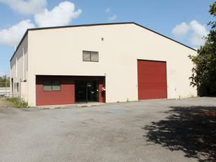 Well Located - Industrial Warehouse, Offices - Thabeban