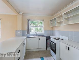 ONE BEDROOM FLAT IN CAMP HILL! - Camp Hill