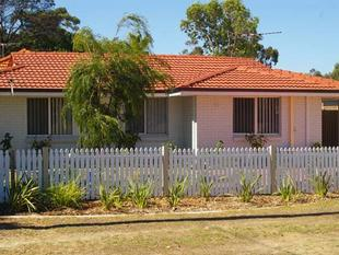 *** WHITE PICKET FENCE *** - Balga