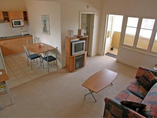 Fantastic Centrally Located Apartment, Walk to Everything !! - East Perth