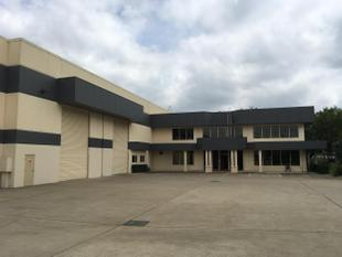Modern Warehousing Space With Corporate Office And Ample Parking - Acacia Ridge