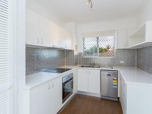 Modern! Ticks all the boxes! - Holland Park West
