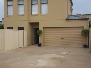 NEAR NEW TOWNHOUSE - Woodville North