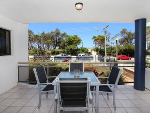 Absolute Beachfront Apartment - Maroochydore