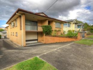 COSY UNIT IN HEART OF COORPAROO!! - Coorparoo