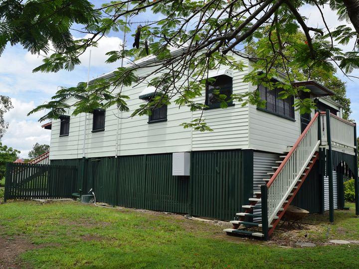 14 Dingyarra Street, Toogoolawah, QLD