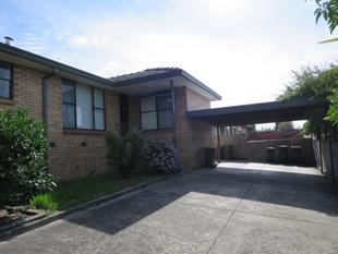 IMMACULATE AND SPACIOUS LOW MAINTENANCE LIVING - Chadstone
