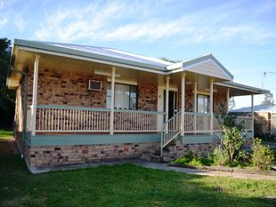 Solid 3 Bedroom Family Home in Good Area of Town - Goondiwindi