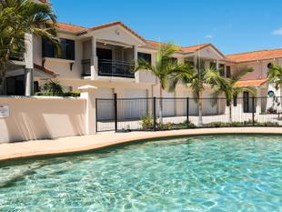 """The Boulevard"" - Sought After Living With Two Extra Garage Spaces! - Pelican Waters"
