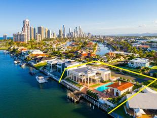 TIME TO MOVE ON AFTER 19 YEARS - GRAND ESTATE BOASTING RARE NORTH EAST DOUBLE BLOCK ON MAIN RIVER - Surfers Paradise
