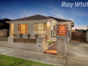Tranquil, Totally Renovated and Spacious - Bundoora