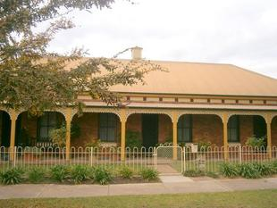 Central Living, Minutes from Town - Wagga Wagga