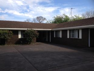 Neat and Tidy 2 bedroom unit in a quiet off-street complex - South Toowoomba