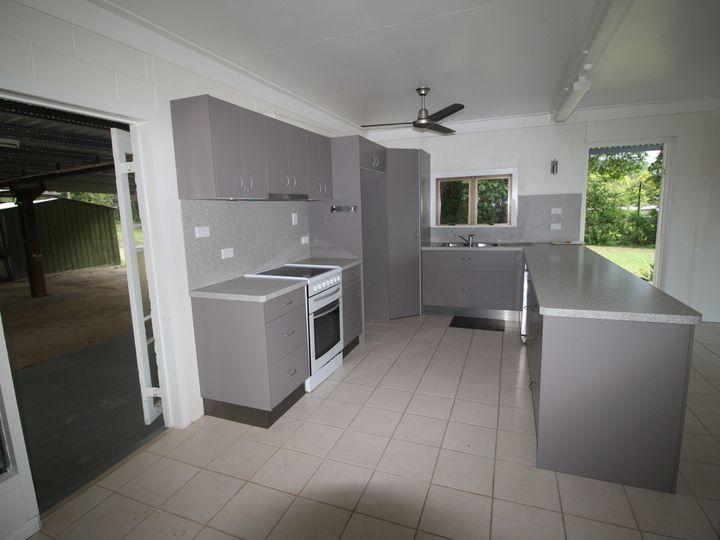49 Sheahans Road, Long Pocket, QLD