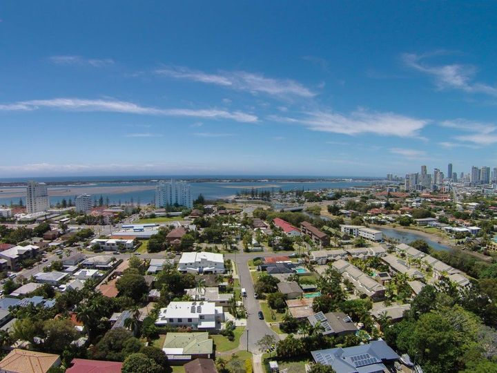 13 Rathbone Place, Labrador, QLD