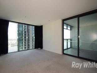 NEAT 2 BEDROOM APARTMENT WITH VIEWS! - Docklands