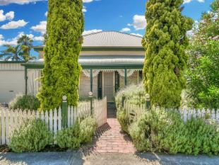 Charismatic Charm and Character - Circa 1910 - Largs Bay