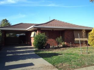 Centrally Located Family Home - Moama