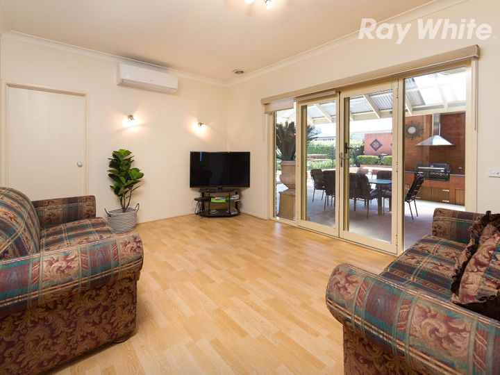 25 Mountford Crescent, East Albury, NSW