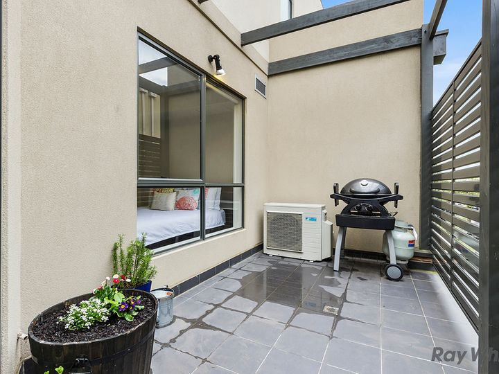202/1136 Whitehorse Road, Box Hill, VIC