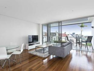 DESIGNER LUXURY WITH RELAXING OUTLOOK! - Bondi Junction
