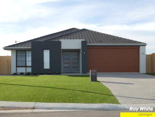 EASY CARE LARGE FAMILY HOME - Canning Vale