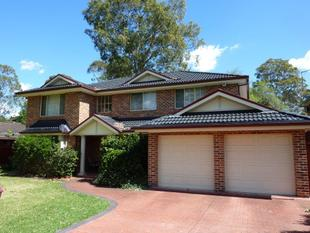 IMMACULATE 4 BEDROOM HOME - 5 MINUTE WALK TO NORTH ROCKS WESTFIELD'S - North Rocks