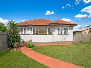 Spacious Family Home in very convenient location!!! - Newtown