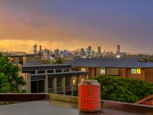 City Views Without the Price Tag  Owner Relocating - Coorparoo