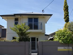 Air Conditioned Townhouse in Great Location - Nundah