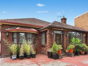 Huge original Five bedroom House - Botany