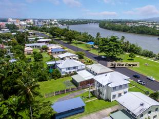 Quality HOME, TOP POSITION & MASSIVE GARAGE/WORKSHOP - East Innisfail