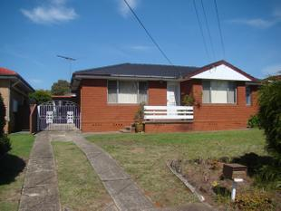 Walk to Station + New Bathroom! - Rooty Hill