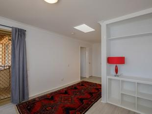 INVESTORS WELCOME -New Stylish Renovation - Modern One Bedroom with Views - Sorrento