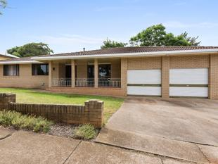PRICE DROP! - NEAT BRICK HOME IN A GREAT LOCATION - North Toowoomba