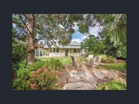 Windsor Gardens, 48 Cookes Road