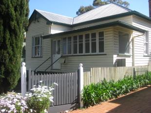 Mount Lofty . Wow Cheap & Free Rent . 3 Bedroom Charming Home - Mount Lofty