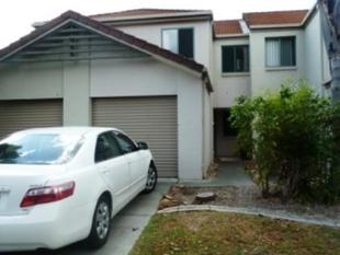 `BENOWA LODGE' WONDERFUL 3 BEDROOM TOWNHOUSE WITH ENSUITE - Benowa