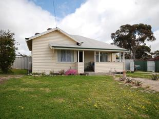 WELL PRESENTED WEATHERBOARD COTTAGE HOME! - Wagin