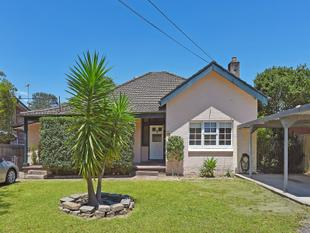Flexible Living With Dream Home Potential On Large 721 Sqm Block - Hornsby