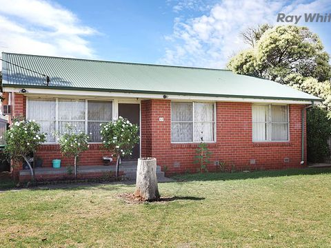 Laverton, 109 Old Geelong Road
