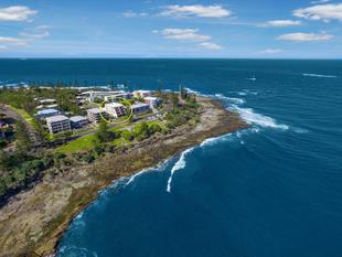 Beautiful Ocean Front Apartment with Stunning Bay & Island Views - Kings Beach