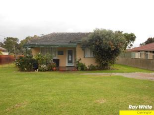 OLDER STYLE HOME ....AFFORDABLE - East Cannington